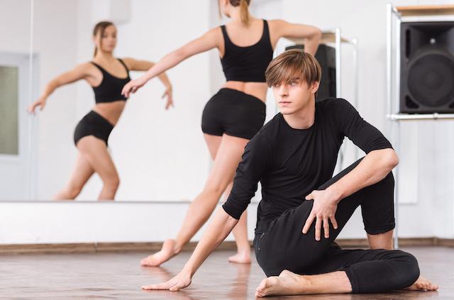 男性 ダンス 自信